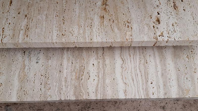 Травертин красивый натуральный камень так же, как мрамор или гранит и, как правило, поставляется в виде плитки для украшения интерьера и экстерьера домов